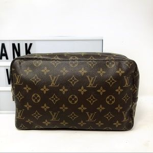 Louis Vuitton Trousse 28 monogram cosmetic bag
